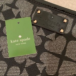 Kate Spade ♠️Adrianne pouch